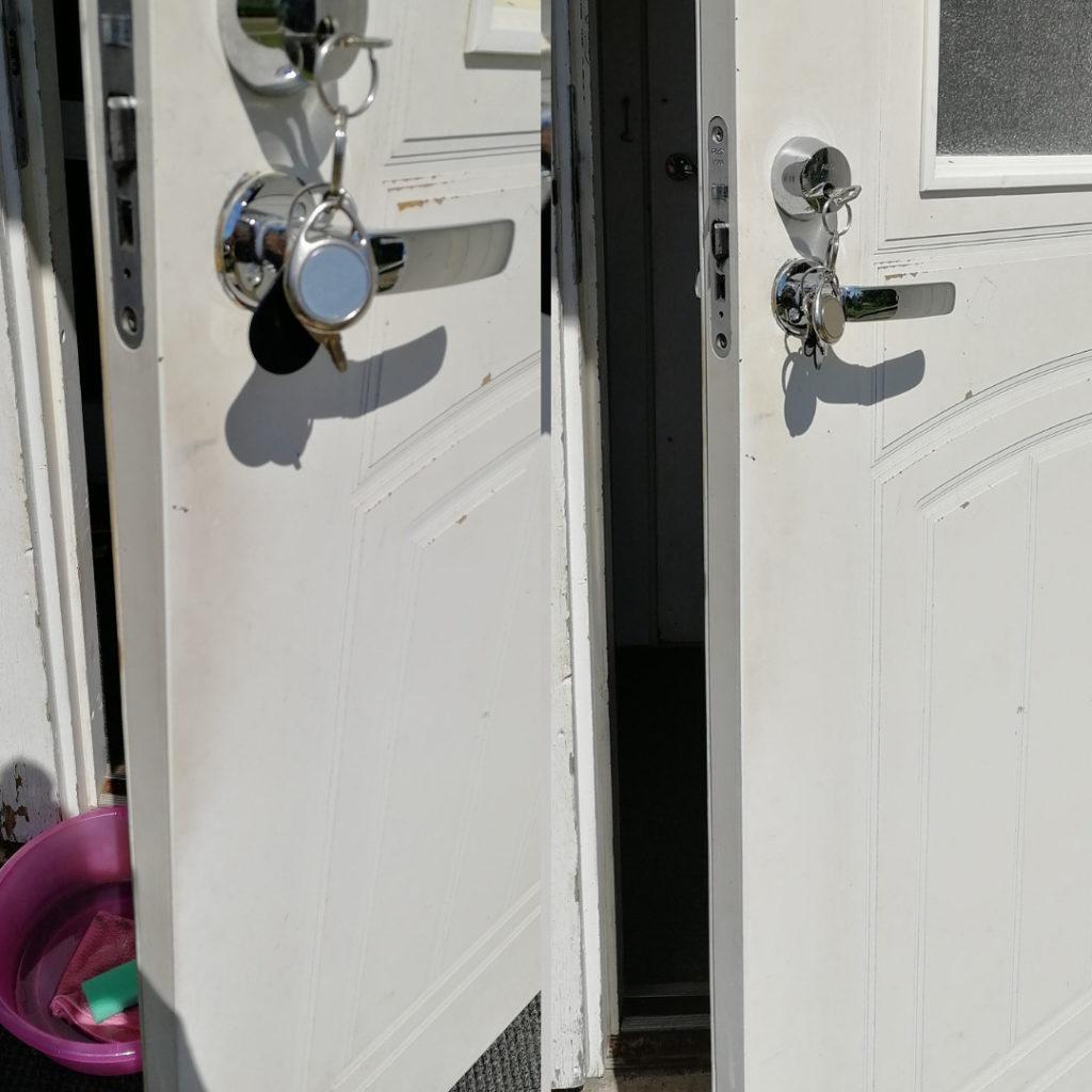 Ulko-ovi puhtaaksi siivoussaippualla
