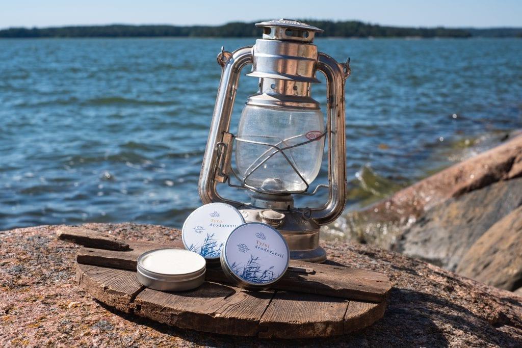 Saaren Taika alumiiniton soodaton tyrni deodorantti
