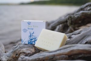 Saaren Taika teepuusaippua tea tree soap Veera suolasaippua salt soap (2 of 33)