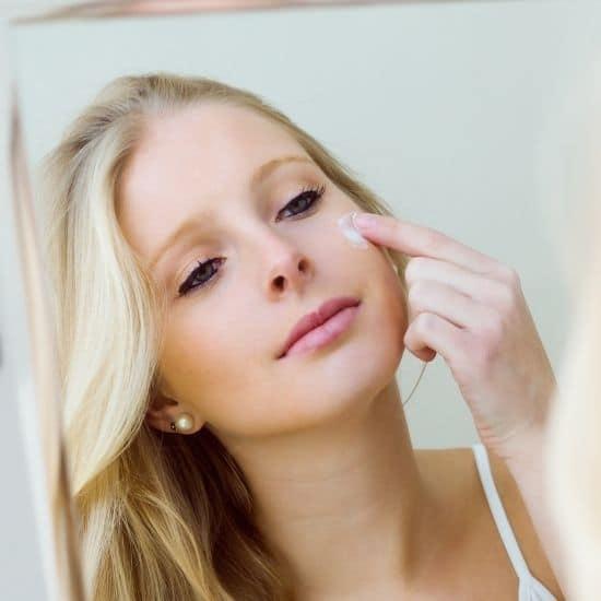 kasvojen ihon kosteutus kuiva iho epäpuhdas iho vanheneva iho