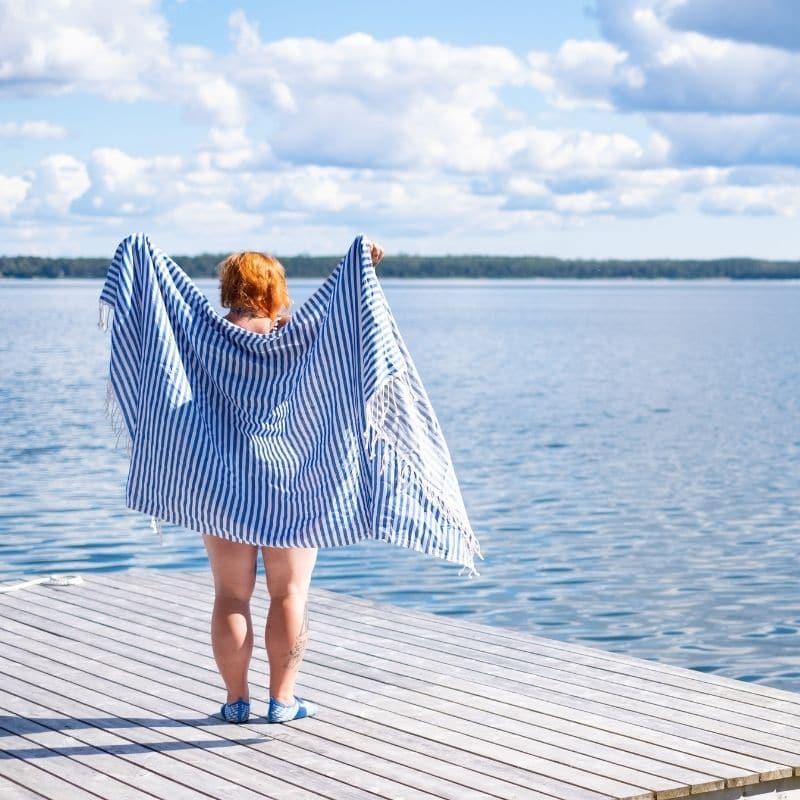 rentouttava hetki aitojen ihanien turkkilaisten hamam pyyhkeiden ympäröimänä
